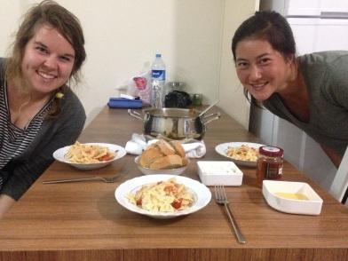 Friends who cook together risk food poisoning together